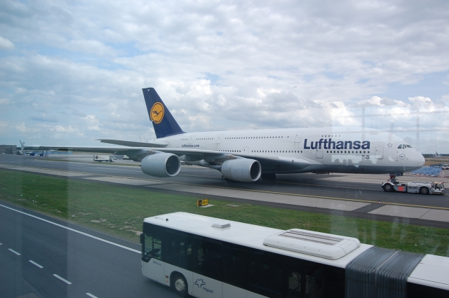 lufthansa a380 800 eddf ah45 39 s flights gallery airline empires. Black Bedroom Furniture Sets. Home Design Ideas