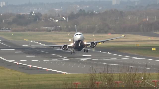 Blue Air 737-800 YR-BML Late Rotation BHX