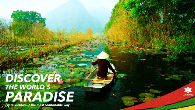 """Air Thuong """"Discover the world's paradise"""" advertisement."""