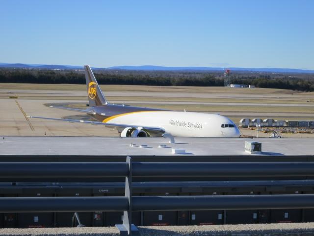 UPS 767 at KIAD