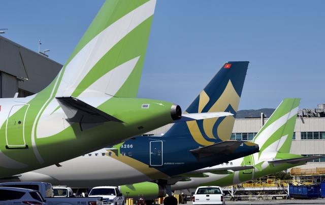 Vietnam A320s At gate